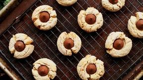 Image of PBS Parents: Peanut Butter Kiss Cookies