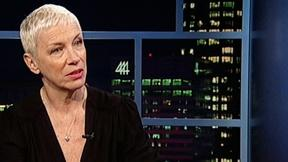 Sit Down with Singer-Songwriter Annie Lennox