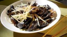 Slake-Black Pepper Mussels with Granny Smith Apples
