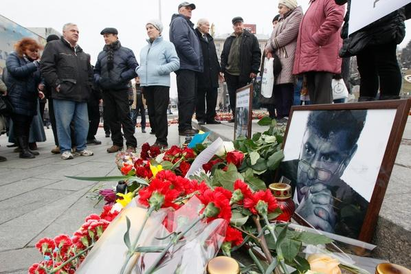 Russians Rally to Protest Killing of Putin Critic