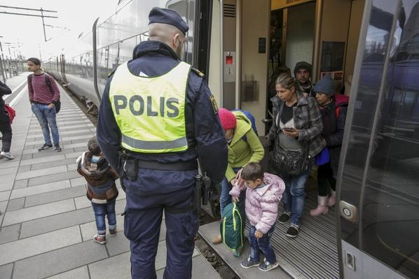 Refugee Crisis Causes Sweden to Tighten Borders