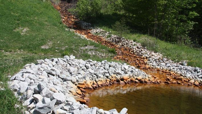 a essay on acid mine drainage This video shows how acid mine drainage from an abandoned coal mine has  affected wildcat  acid mine drainage | advanced level background essay.