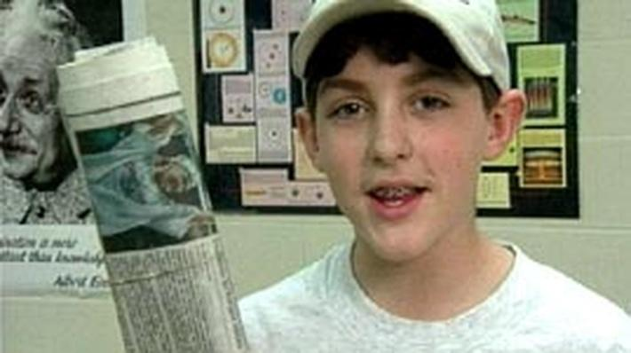 Kid Inventor: Newspaper Crank