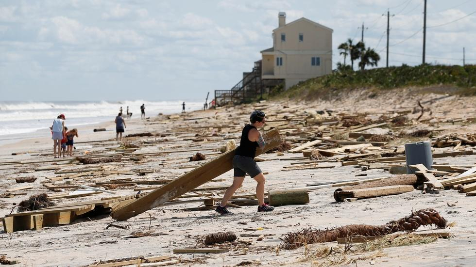 Florida begins recovery but restoring power poses challenge image