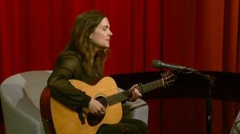 "Lori McKenna Performs ""People Get Old"""