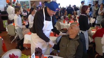 Governor-elect Murphy serves Thanksgiving meals in Red Bank