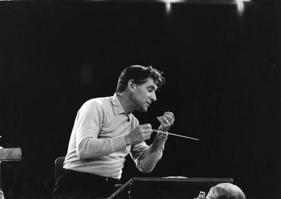 S42 Ep3: New York Philharmonic New Year's Eve: Bernstein on Video Thumbnail