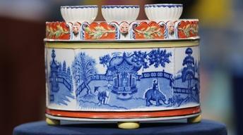 S22 Ep3: Appraisal: English Pearlware Bough Pot, ca. 1810