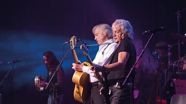 "Moody Blues Perform ""Nights in White Satin"""