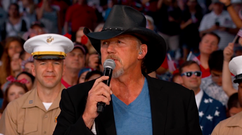 "S2017: Trace Adkins Performs ""Still A Soldier"""
