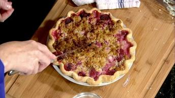 Sour Cream Rhubarb & Strawberry Pie