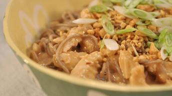 VideoSpicy Soba Noodles with Chicken in Peanut Sauce Watch