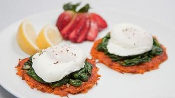 Healthy Eggs Florentine a la Crispy Sweet Potato Rounds