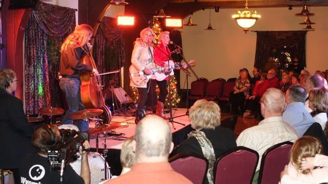 Christmas at the Historic Sheridan Inn w/ Annie & Amy Smith