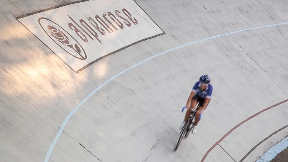 Velodrome Cycling For Beginners image