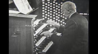 Alexander Schreiner at the Tabernacle Organ