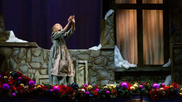 Christmas with the Mormon Tabernacle Choir: The Little Match Girl