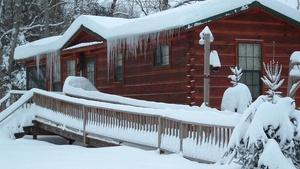 Kamika Lodge / White Pine Cabins