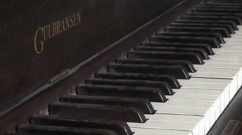 208: Modcott Piano