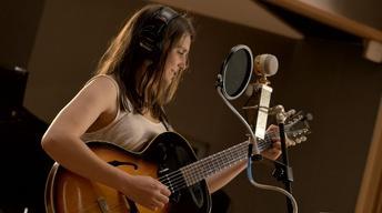Hayley Sabella – La Vie en rose (cover)