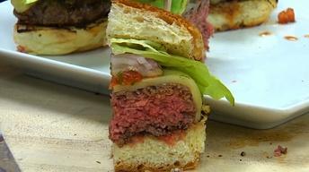 "Neighborhood Kitchens: Bristol Lounge's ""Bristol Burger"""