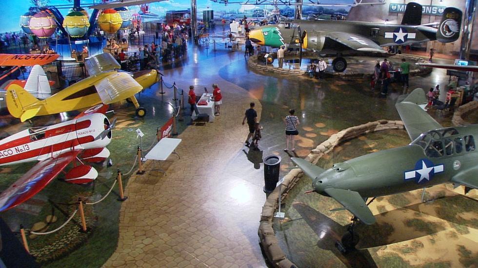 Air Zoo image