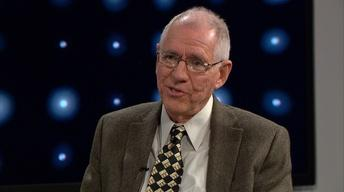 Sportswriter Jerry Tipton