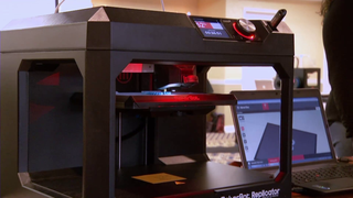 Teachers Learn to Use 3D Printers