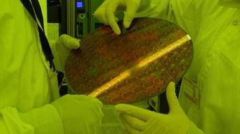 Regional Nanotechnology: Small Bits, Big Bucks