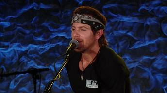 "Front and Center: Kip Moore, ""Running for You"""
