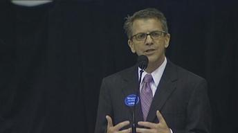 Evansville Mayoral Candidate (R)Winnecke speaks at Rotary...