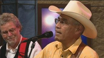 Cris Plata and Extra Hot