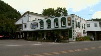 Vance Toe River Lodge image