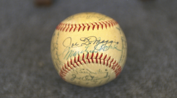 S21 Ep23: Appraisal: 1951 Yankees & Monroe-signed Baseball