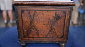 S21 Ep19: Appraisal: 1837 New York Grain-painted Pine Lock B