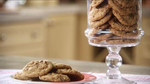 Martha Bakes -- S8: Bakery-Style Cookies