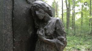 The Dig: Sculpture Garden Women's Walk