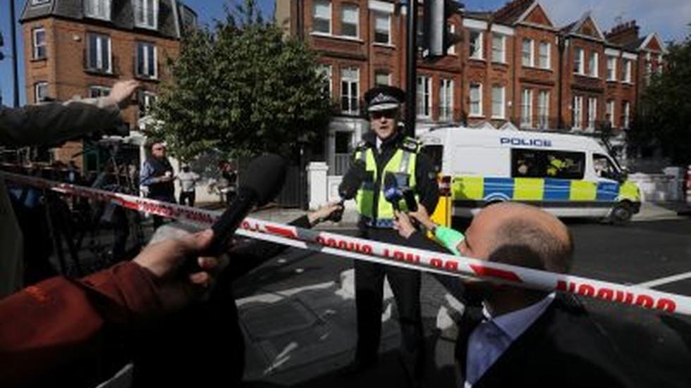 News Wrap: Islamic State subway attack spurs London manhunt image