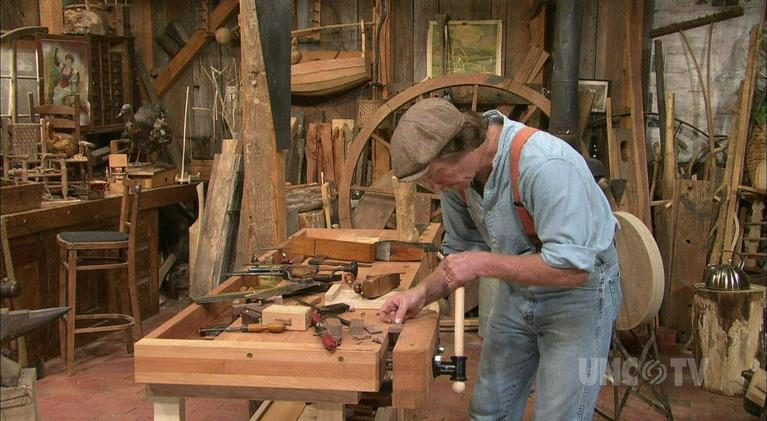 The Woodwright's Shop: Dovetailed Grease Pot