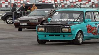 Why young Russians are racing with faulty, Cold War-era cars
