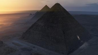 S44: What's Inside the Great Pyramid?