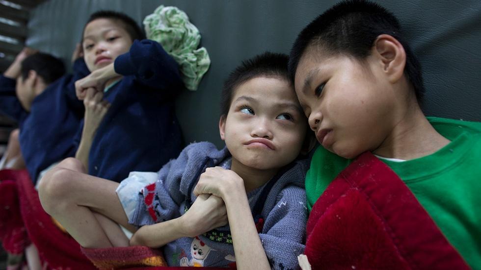 Agent Orange puts a new generation at risk in Vietnam image