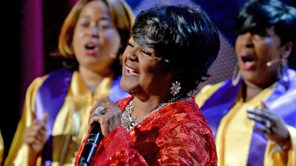 "Shirley Caesar performs ""Jesus, I Love Calling Your Name"" image"