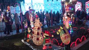 Christmas Tree Lane 2017