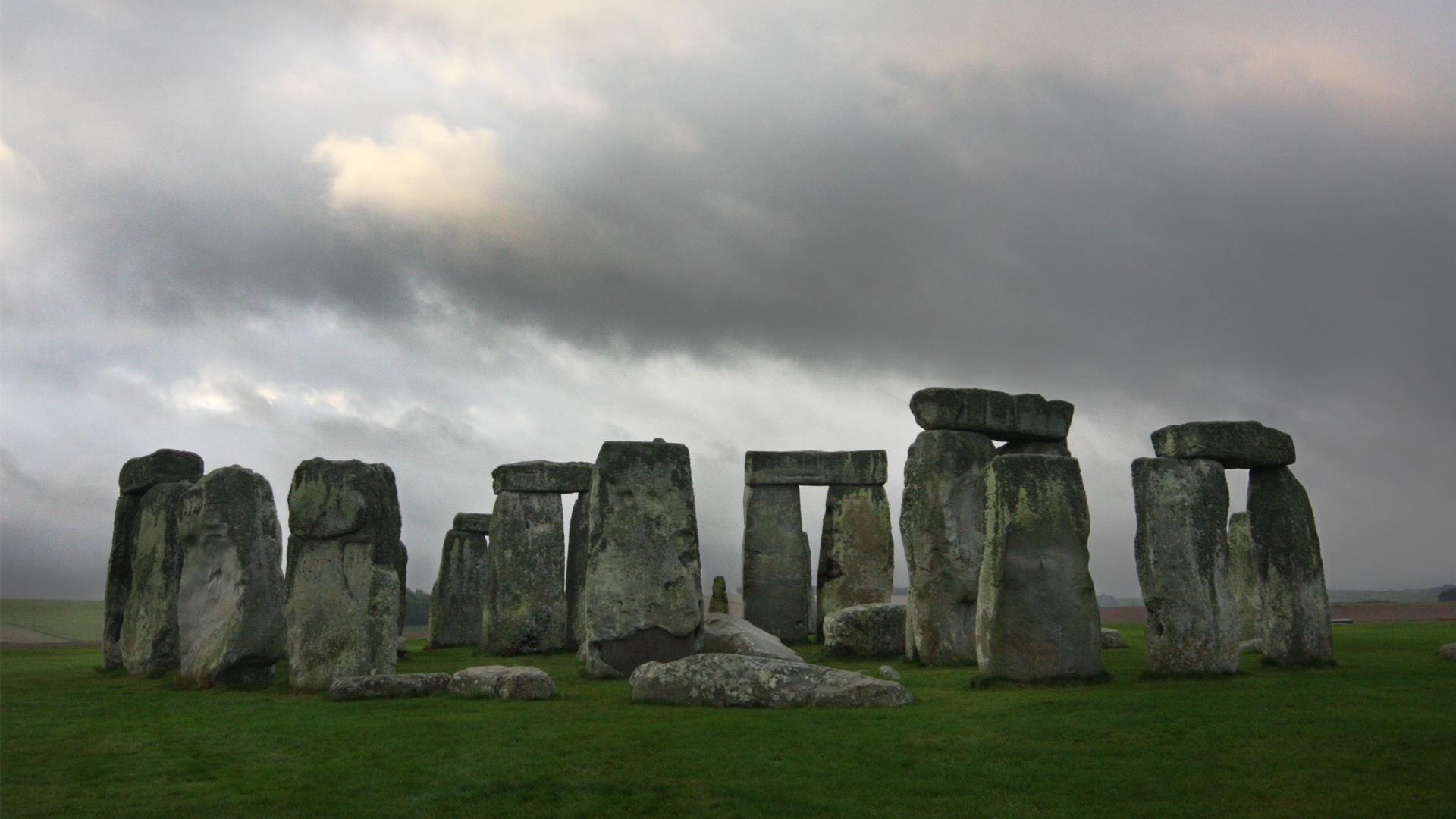 Ghosts of Stonehenge Preview