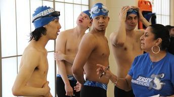S30 Ep15: Swim Team