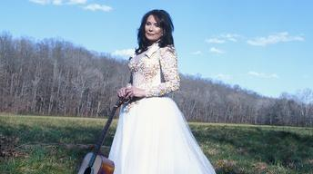 S30 Ep5: Loretta Lynn: Still a Mountain Girl