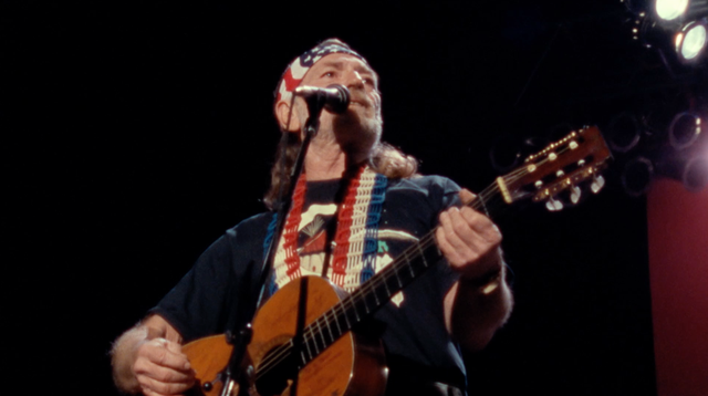 Willie Nelson Sings 'Always On My Mind' at Nassau Coliseum