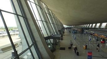 S30 Ep9: Eero Saarinen's Revolutionary Design of the Dulles