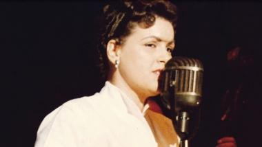 How a car crash nearly ended Patsy Cline's career